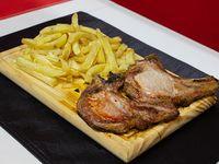 Costillitas de cerdo asadas con papas fritas (2 unidades)