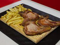 Costillitas de cerdo asadas con papas fritas (3 unidades)