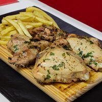 Muslitos de pollo con papas fritas (4 unidades)