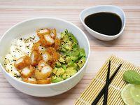 Chirashi Salad Langostinos Rebozados, Palta y Phila