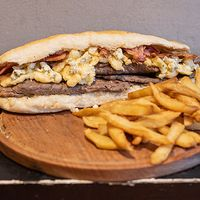 Sándwich blue cheese bacon