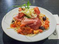 Spaghetti con salsa filetto