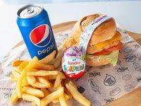 Combo - Chicken burger + papas + bebida + regalo sorpresa