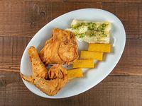 Combo - 3 piezas de pollo + soda en lata 355 ml + polenta + acompañamiento