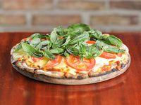 Promo - Pizzeta americana con muzzarella y dos gustos + cerveza Pilsen  o gaseosa de 1.25 L
