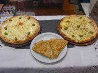 Promo 3 - Pizza grande de mozzarella + pizza con jamón, napolitana o fugazzeta + 2 fainá
