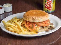 Promoción - Sándwich Iniesta + Papas fritas + Bebida en lata 350 ml