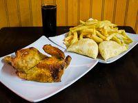 Oferta - 1/2 pollo asado + papas fritas (mediana) + bebida 500 ml + 2 empanaditas de queso