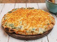 Pizza suiza (6 porciones)