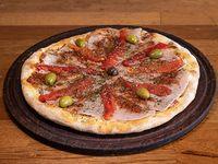 Pizza jamón y morrones (8 porciones)