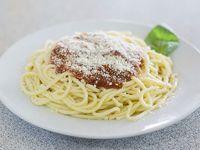 Spaghettis con salsa