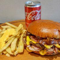 Promo individual - Hamburguesa doble + papas fritas con cheddar + Coca Cola 220 ml
