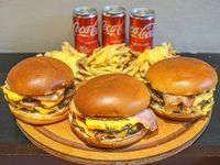 Promo para 3 - 3 Hamburguesas dobles + papas fritas+ 3 Coca Cola 220 ml