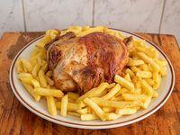 Promo - Pollo entero a las brasas + porción familiar de papas fritas 1/2 kg + bebida Coca Cola 1.5 L