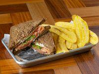 Smoked salmón sándwich