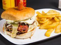 Promoción 6 - Doble hamburguesa clásica + papas fritas