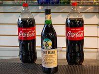 1 fernet de 1 L + 2 Coca Colas de 2.25 L