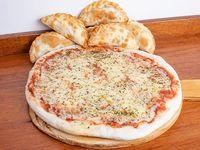 Promo - Pizza base + 6 empanadas a elección