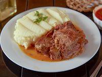 Carne a la cacerola + agregado para persona