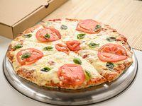 Pizzeta con muzzarella, tomate y albahaca (32 cm)
