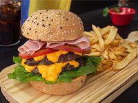Doble burger con papas fritas 670 grs aprox