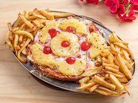Pizzanesa Hawaiana Xxl comen 4 personas, con guarnición de papas fritas rústicas en caja de pizza gde. Milanesa a la pizza s + 1 Gaseosa 2.25L Cunnington