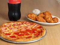 Combo 1 - Pizza familiar + 10 wings + soda 1.5 L