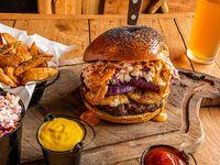 Combo 3  - Lumberjack's burger + papas rústicas o Lumber fries + bebida línea Coca-Cola 350 ml