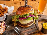 Combo 7 - Wild burger + papas rústicas o Lumber fries +  bebida línea Coca-Cola 350 ml