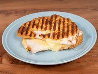 Croissant jamón de pavo y queso