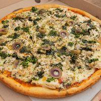 Pizza con ave provenzal