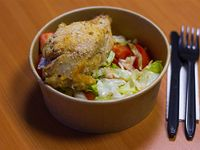 Pollo kayser con acompañamiento