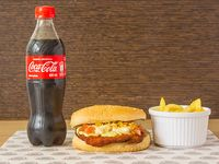 Hamburguesa de Pollo Apanado + Acompañante + Bebida Personal