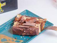 Panqueque con brownie y manjar