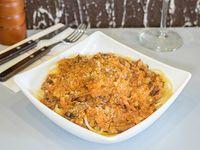 Pasta con salsa a elección y acompañamiento