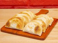 Promo - 12 empanadas + porción de fainá