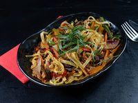 Veggie Curry Pasta de vegetales salteados (650 g total)