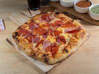 Promo - Pizza personal a elección + bebida en lata 350 ml
