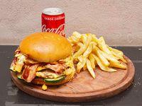 Combo - Hamburguesa cuádruple pigtamer + papas fritas + lata de Coca Cola 220 ml