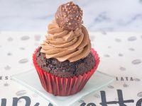 Cupcake Ferrero Rocher con crema Bariloche