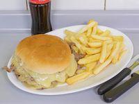 Combo 3 - Churrasco queso luco + Papas fritas + Bebida en lata 220 ml