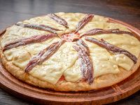 Pizza con queso y anchoas
