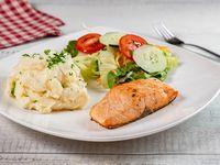 Lomo de salmón con 2 acompañamientos