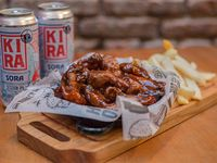 Combo 5 - Buffalo Chicken wings + 2 latas de cerveza Kira artesanal 473 ml