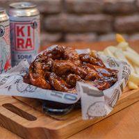Combo 5 - Buffalo Chicken wings + 2 latas de cerveza Kira artesanal 473 ml