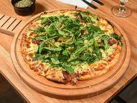 Pizzeta bondiola y rúcula