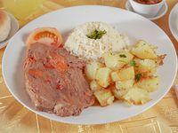 Promo menú premium 2 - Carne al jugo asadda + arroz + papas salteadas + ensalada del día + bebida 350 ml + pan + pebre + postre