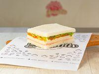 Promo - Sándwich triple de miga primavera