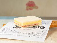 Promo - Sándwich triple de miga con salame milán y queso