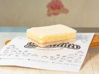 Promo - Sándwich triple de miga con jamón cocido y queso